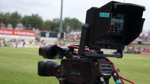 Futbol, càmera, TV, mitgetes, horaris