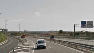 L'accident ha tingut lloc a la T-11, a prop de la rotonda de les Gavarres.
