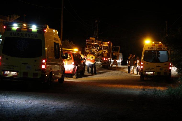 Imatge de l'exterior del xalet d'Alcanar, la nit de l'explosió.