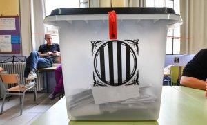 Aquest dilluns farà un any que aquestes urnes van arribar a molts col·legis.