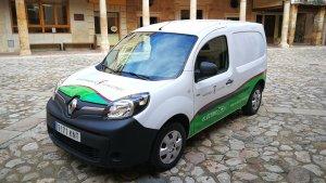 El vehicle és una Renault Kangoo amb una autonomia de 220 km.