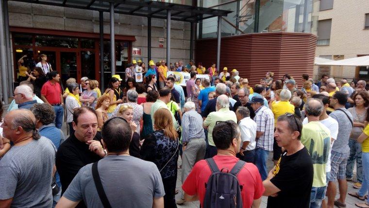 La concentració de suport ha arribat a aplegar unes 200 persones