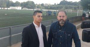 Cilleruelo i Merino, davant el camp de futbol de la UE Tancat.