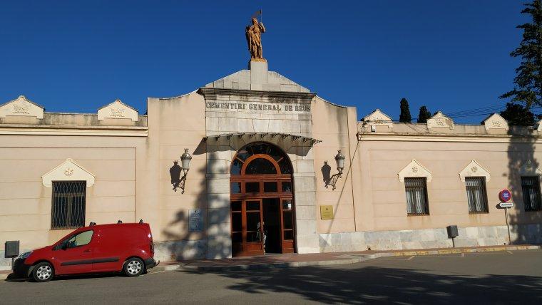 Façana exterior del Cementiri General de Reus