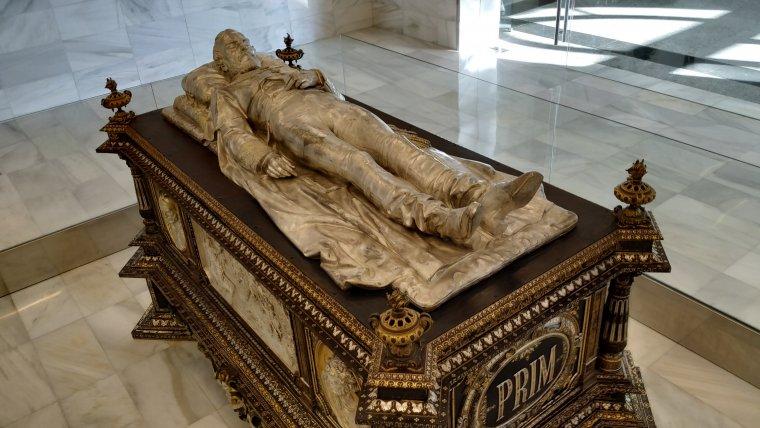 L'espai funerari del General Prim es va restaurar quan se'l va dur a Madrid perquè se li fes una nova autòpsia