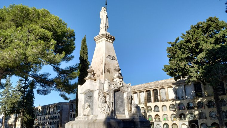 Panteó dels fills il·lustres de Reus al Cementiri General de la ciutat