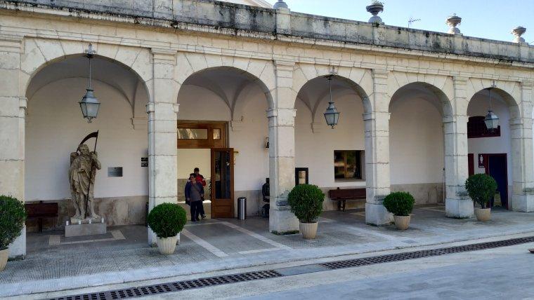 Porxos de l'entrada del Cementiri de Reus, que ja havien ocupat l'entrada del cementiri del Roser