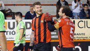 Àlex Rodriguez festeja un dels dos gols anotats en la primera meitat