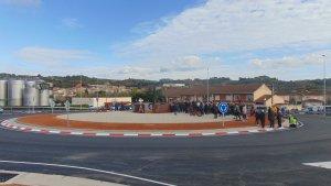Aspecte de la rotonda d'entrada al poble de Vila-rodona.