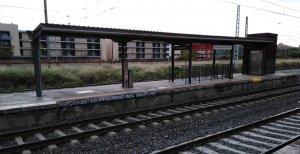 El porxo de l'andana 2 de l'estació del Vendrell.