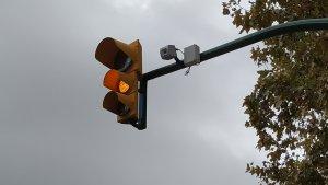 Els semàfors disposaran de càmeres que enviaran la informació a la Guàrdia Urbana