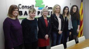 Les quatre joves contractades al Consell, amb Eva Serramià i Maria Jesús Sequera.