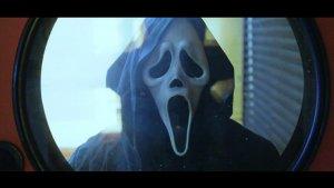 El vídeo és una parodia de 'Scream 4'.