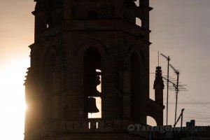 El sol passa pels finestral de la Prioral de Reus durant el dia del solstici d'hivern, el 21 de desembre
