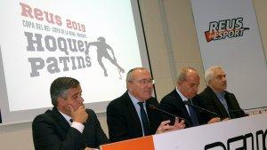 D'esquerra a dreta: Jordi Cervera (regidor), Carles Pellicer (alcalde), Carmelo Paniagua (president RFEP) i Joan Plana (Generalitat)