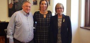 Joan Sans i Eva Seramià, amb Àngels Chacón, consellera d'Empresa.