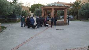 Veïns de Mas Vilanova s'han reunit a la plaça de la Festa Major per denunciar la situació