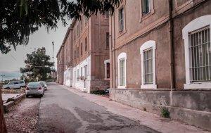 Vista dels diferents pavellons del Barri Ferroviari de Sant Vicenç de Calders.