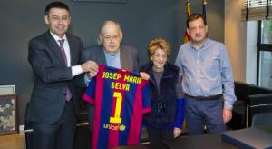'any 2015, el president del F. C. Barcelona,Josep Maria Bartomeu, va rebre a les oficines del club a Josep Maria Selva Vallespinosa.