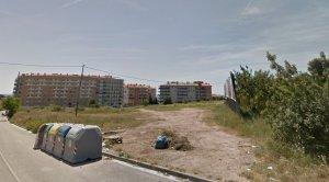 El nou institut s'ubicarà en aquests terrenys de la Vall de l'Arrabassada, al costat de l'escola.