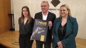 Jeny Montagut, cap de producció, Carles Pellicer, alcalde de Reus, i Montserrat Caelles, regidora de Cultura