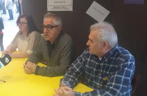 Membres de la llista de Primàries el Vendrell, amb Josep Maria Llasat al mig.