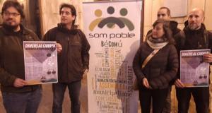 Som Poble presentant la iniciativa 'Diners al carrer'.