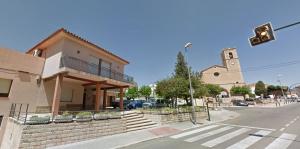 Ajuntament i parròquia de Sant Jaume dels Domenys