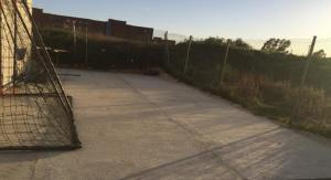 El nou forjat de formigó del camp de futbol de l'Arboç.