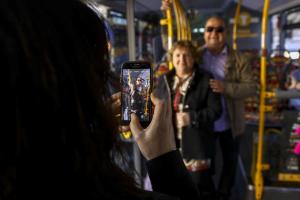 Imatges de la presentació dels nous autobusos municipals de Reus