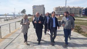 Joan Sabaté, amb Montserrat Carreras, visitant el nou tram de Passeig Marítim.