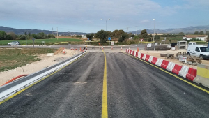 L'accés a Santa Oliva ja està reobert després de les obres al pont.