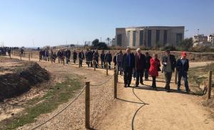 L'acte d'inauguració del pont i el camí de les Madrigueres.