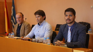 A l'esquerra, Juan Carlos Hurtado, que abandona el grup municipal de Ciutadans, on es queden Toni Cruz (al centre) i Javier Ramírez (a la dreta).