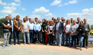Alcaldes i regidors de la Ribera d'Ebre mostren el rebuig a l'abocador de RIba-roja d'Ebre
