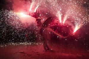 Bateig del nou Drac a la plaça Nova del Vendrell
