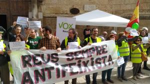 Concentració contra la parada de Vox a Reus