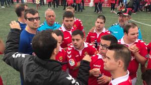 Imatge d'arxiu de Rafel Magrinyà donant instruccions als seus jugadors