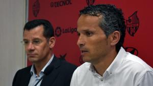 Sergi Parés i Xavi Bartolo durant la presentació del segon com a entrenador del CF Reus
