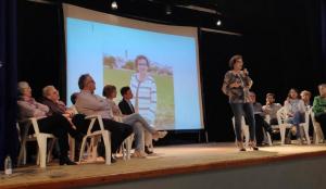 Agnès Ferré presentant la candidatura Compromís amb la Bisbal.