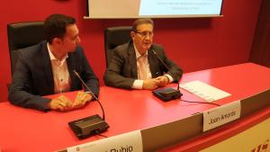 Daniel Rubio i Joan Amorós a la sala d'actes de la Cambra de Comerç de Reus