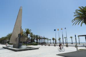 El monument a Jaume I, al Passeig Marítim de Salou