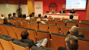 La conferència de Marta Llorens ha aplegat una vintena de persones