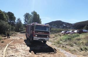 Les imatges de l'incendi que ha calcinat 15 hectàrees a Montferri