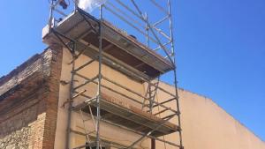 Les obres a la teulada de l'Ajuntament de Calafell.