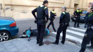 Un ciclomotor es va donar a la fuga per la Part Baixa de Tarragona