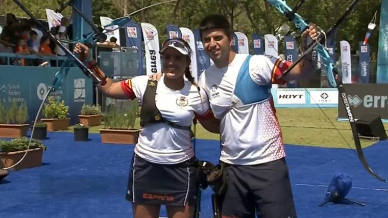 Èlia Canales i Miguel Alvariño instants després de proclamar-se campions