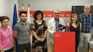 Andreu Martín i els regidors socialistes durant la roda de premsa.