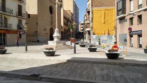 Estat actual de la plaça de la Sang, on les obres són a punt d'acabar-se