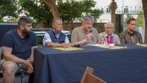 Foto de família dels protagonistes de la xerrada sobre la salut de l'hoquei patins